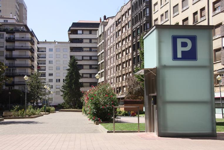 El Parking Logroño, en la Plaza de la Paz, tiene tarifas especiales para los huéspedes de los apartamentos Reloj de Bergerón